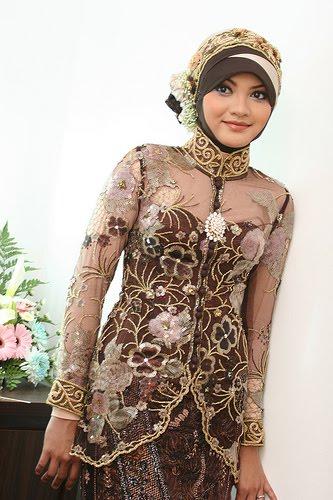 Desain Kebaya Muslim Berjilbab