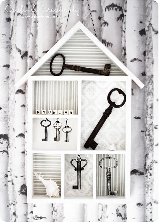 Manualidades decoraci n pintura ideas con llaves for Manualidades con puertas viejas