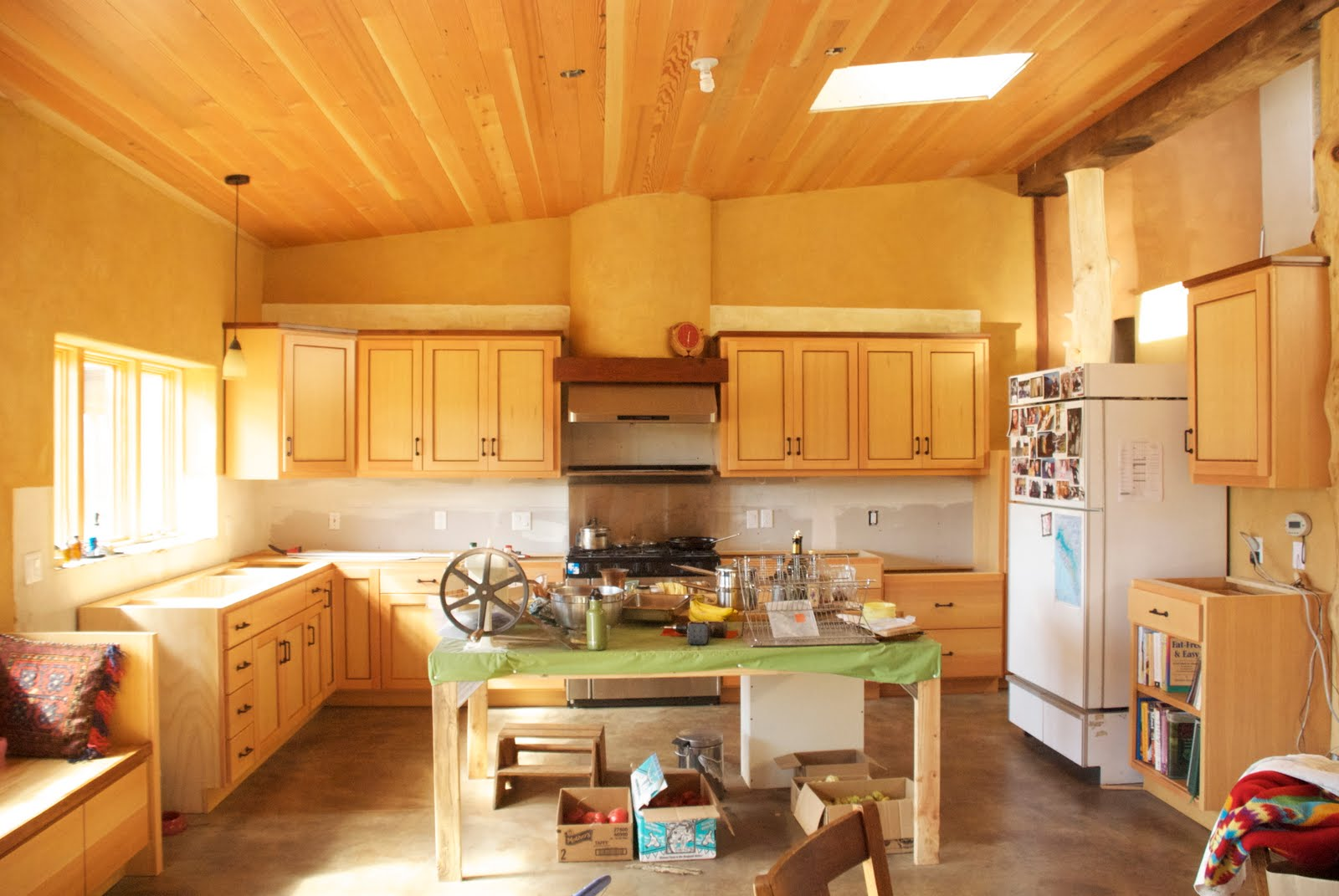 California Homesteading: Kitchen Cabinets, Oh My!