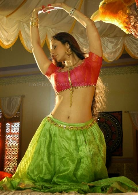 Tabu Hot Navel Kiss