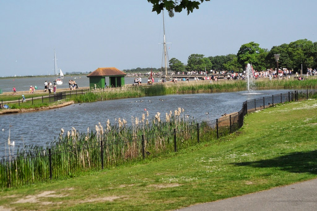 Louise Dawson Design Out And About Around Maldon Promenade Park