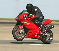 Piadas Rápidas como Uma Moto Ducati.