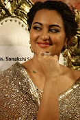 Sonakshi Sinha at Lingaa Audio-thumbnail-7
