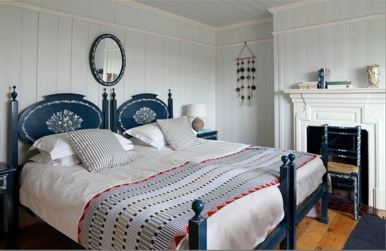 cottage coastal beach house bedroom