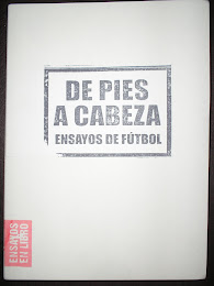 De pies a cabeza - Ensayos futboleros