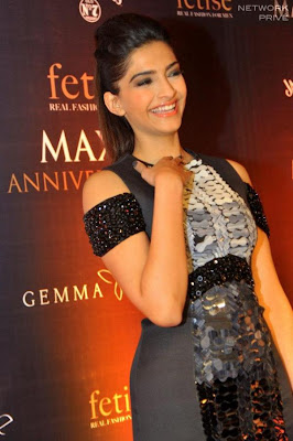 sonam kapoor at maxim anniversary photo gallery