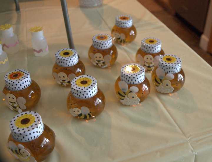 juneill 39 s parties sweets cute as a bee baby shower