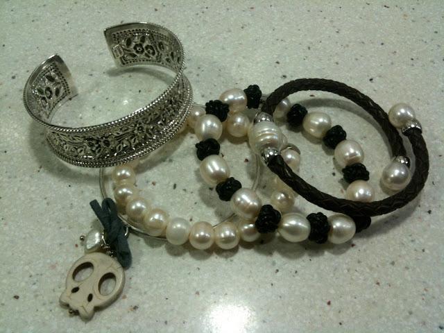 gabardina, yanes young, skull, la señorita, pulsera, perlas, plata