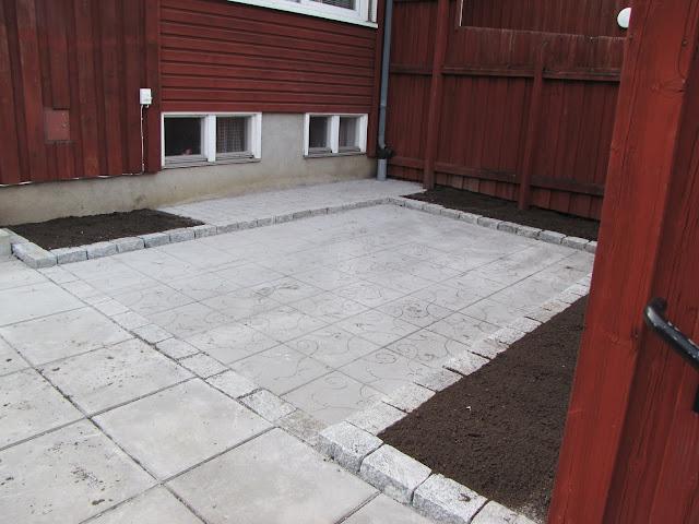modern trädgårdsdesign cement radhus