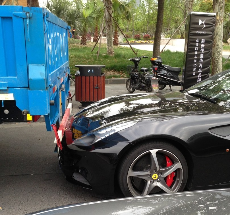 Ferrari FF 'Crashes' into Truck in China... No Insurance!
