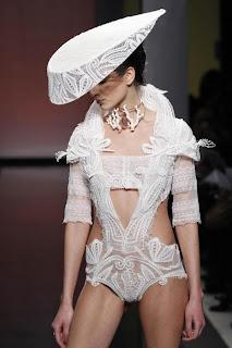Vanessa Lekpa haute couture romantique Gattinoni dentelle blanche mariage broderie