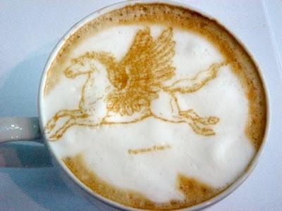 art gallery in a cup of coffee25 Koleksi Gambar Kesenian Corak Air Kopi dalam Gelas