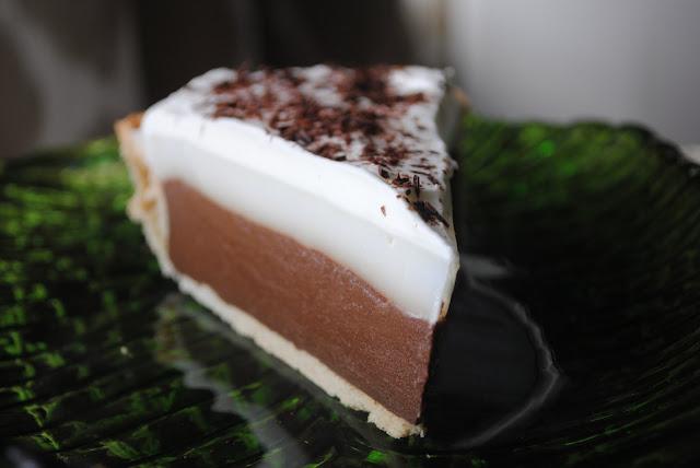 Sweet State of Mine: Hawaii - Haupia & Chocolate Haupia Pie