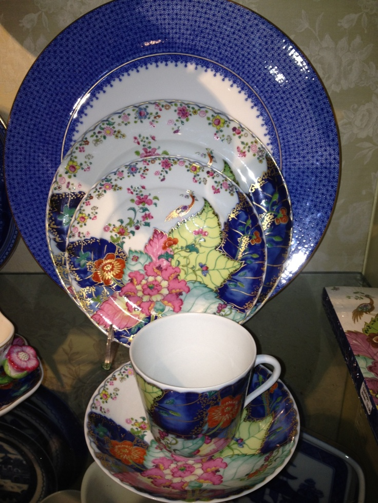 Horse Country Chic: Mottahedeh\'s Tobacco Leaf China