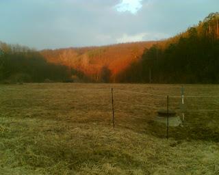 Pohled do údolí Bobravy od Radostic krátce před slunečním západem