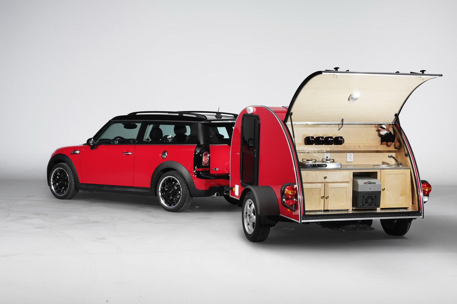 auto veicoli blog mini caravan cowley altro che mini. Black Bedroom Furniture Sets. Home Design Ideas