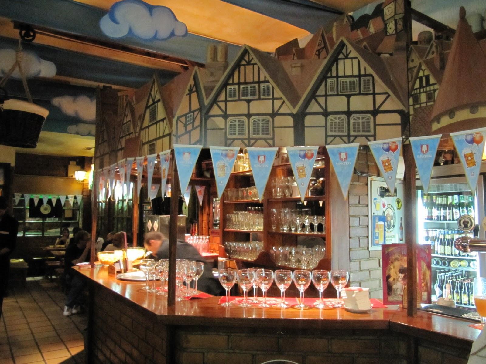 La cerveteca de jab un s bado en el epicentro cervecero for Decoracion de cervecerias