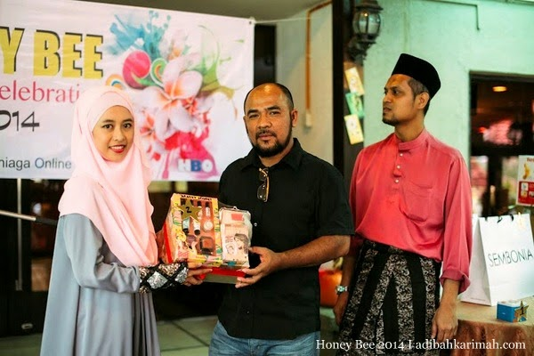 Efah Mustaffa pemenang Honey Bee Award Celebration at INTEKMA