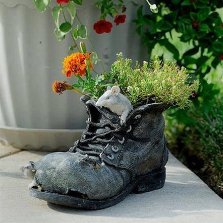 """""""Me quisiste, me olvidaste y me volviste a querer; zapato que yo desecho no me lo vuelvo a poner."""""""