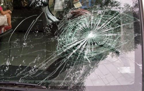Gia Lai: Đập kính ôtô cướp 1,2 tỷ đồng