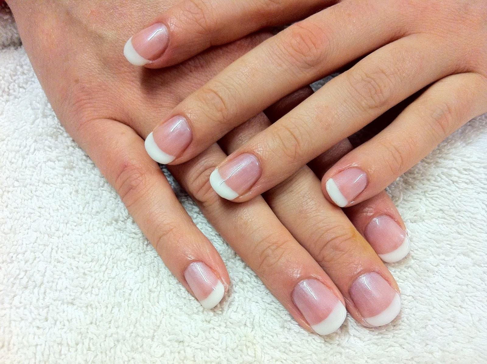 Cnd shellac - french manicure