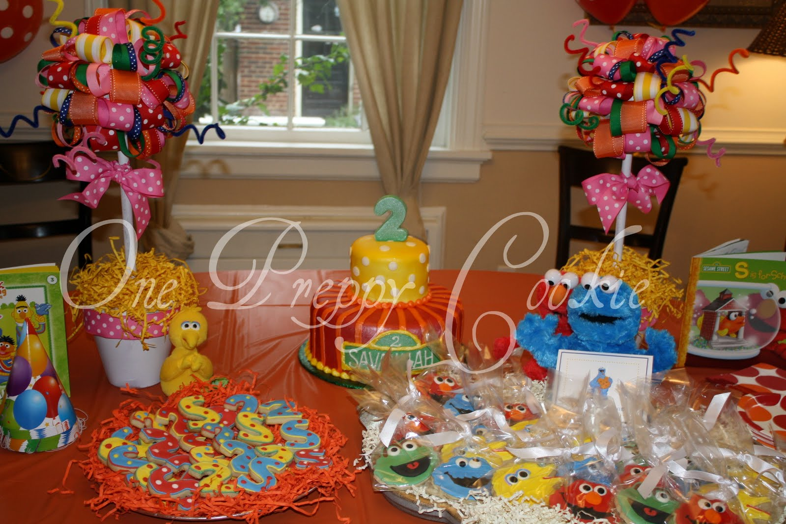 We Decided On Character Cookies As Favors And S 2 To Be Served Alongside The Cake Which Was Ordered From A Local Bakery