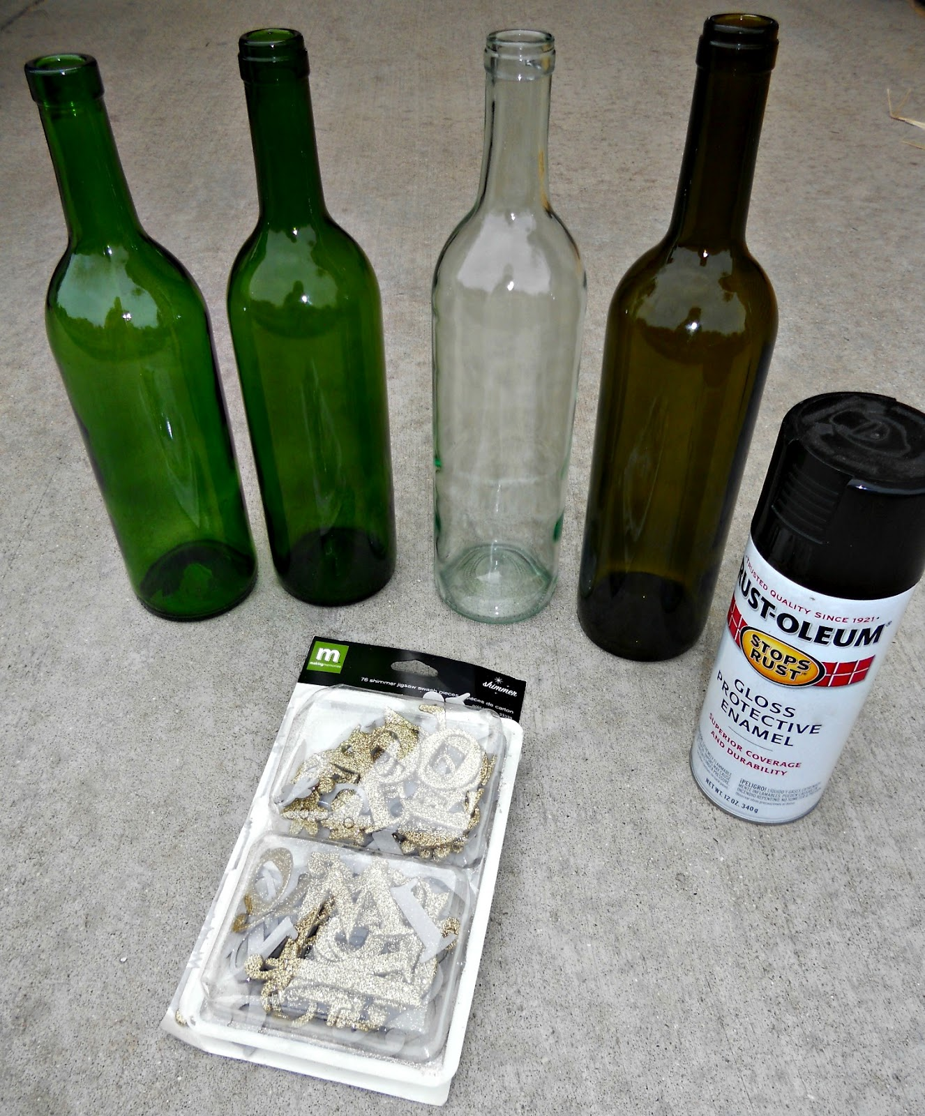 Recycled wine bottle glasses - Recycled Wine Bottle Craft
