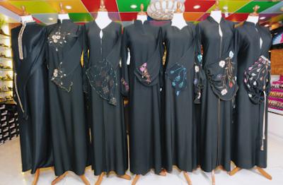 Black-Abaya-Styles
