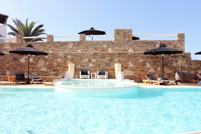 Liostasi hotel & spa (Ios, Greece), main swimming pool . Best hotels in Ios. Luxury hotels in Ios. Honeymoon hotels in Greece. Where to stay in Ios.