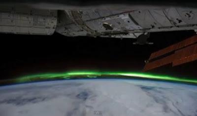 Timelapse Aurora Cahaya Selatan dari angkasalepas