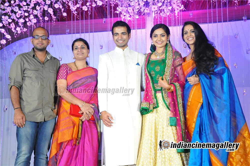 Malluz World Samvritha Sunil Marriage Reception Photoz