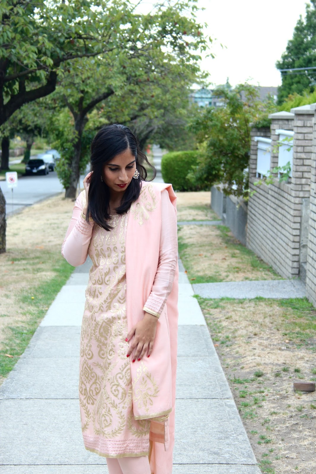 pale pink and gold punjabi suit http://www.footnotesandfinds.com