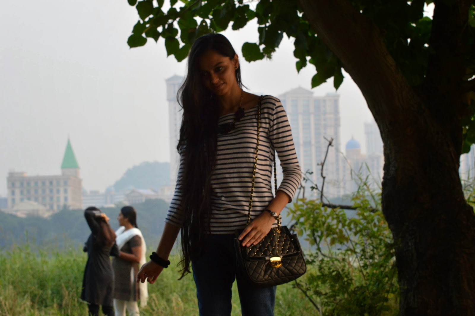 indian fashion blogger, mumbai fashion blog, personal style, look for less, H&M striped tshirt, casuals, how to wear casuals to work, what to wear to work on friday, mumbai streetstyle