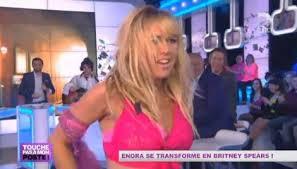 Enora en Britney Spears (Video)