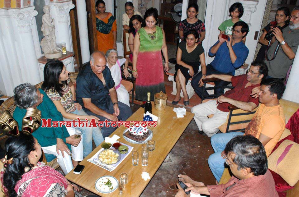 Mukta Barve Marriage http://marathiactors.blogspot.com/2012/05/mukta-barve-birthday-photos-17th-may.html