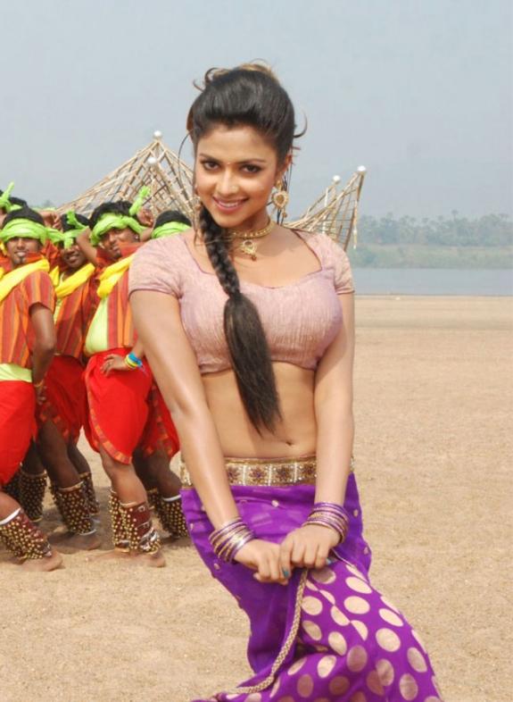 Amala Paul In Vettai Tamil Movie Hot Photos Latest Stills wallpapers