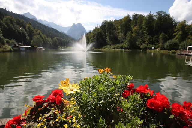 Sommerhochzeit auf der Seeterrasse am Riessersee in Garmisch-Partenkirchen