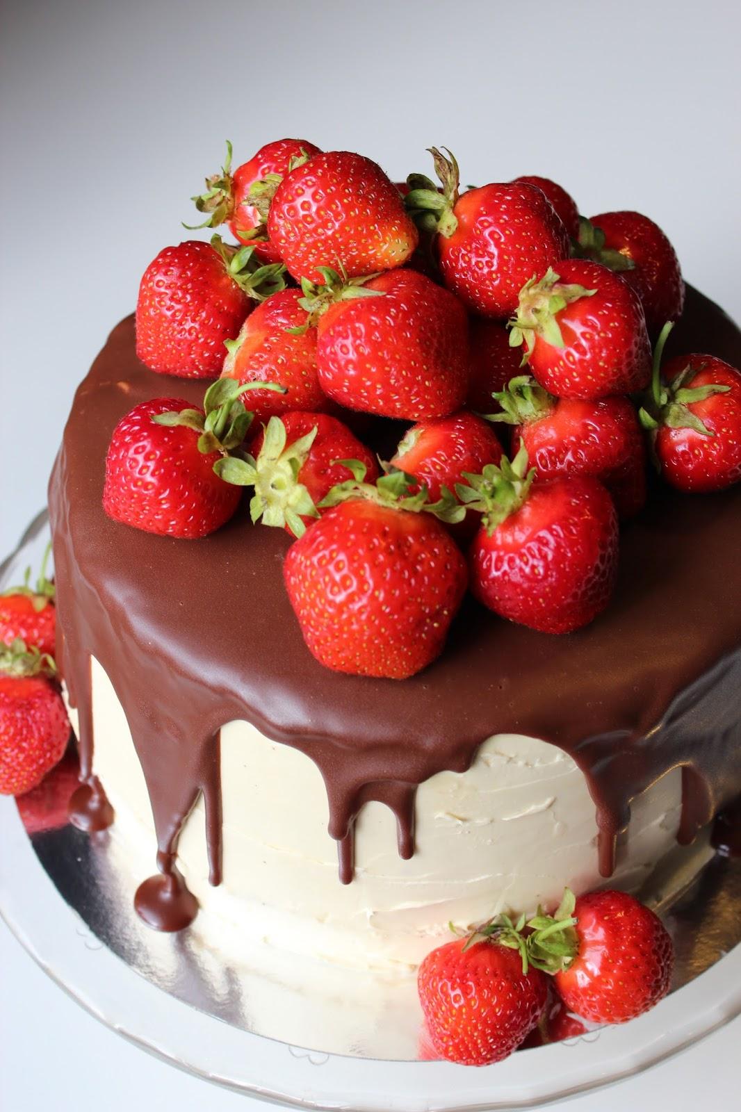 tårta choklad jordgubbar