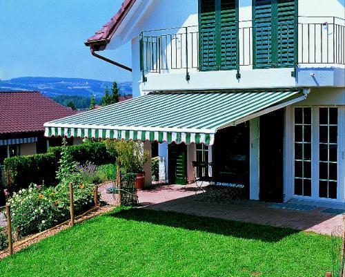 Sol y fachadas toldos enrrollables - Toldos para exteriores ...
