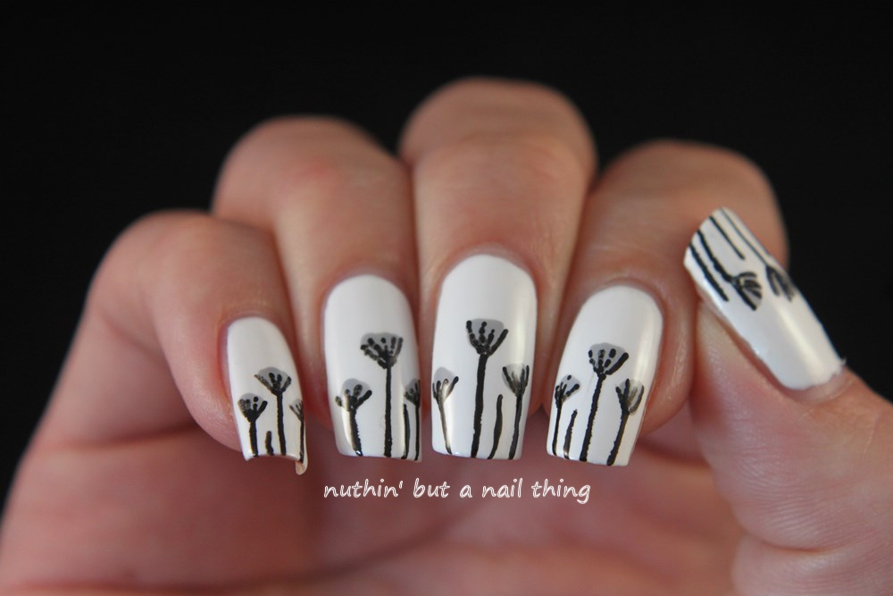 Dainty flower nail art