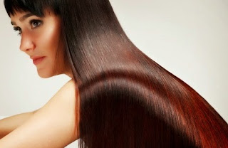 13 Cara Meluruskan Rambut Secara Alami, Cepat & Permanen