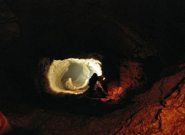 Goa Menuju Inti Bumi Ditemukan Gua Voronya