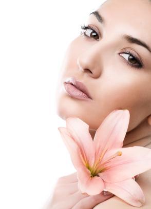 woman-healthy-skin - خلطة سهلة لتبيض الجسم فى فترة قصيرة - امرأة ذات بشرة صحية جميلة