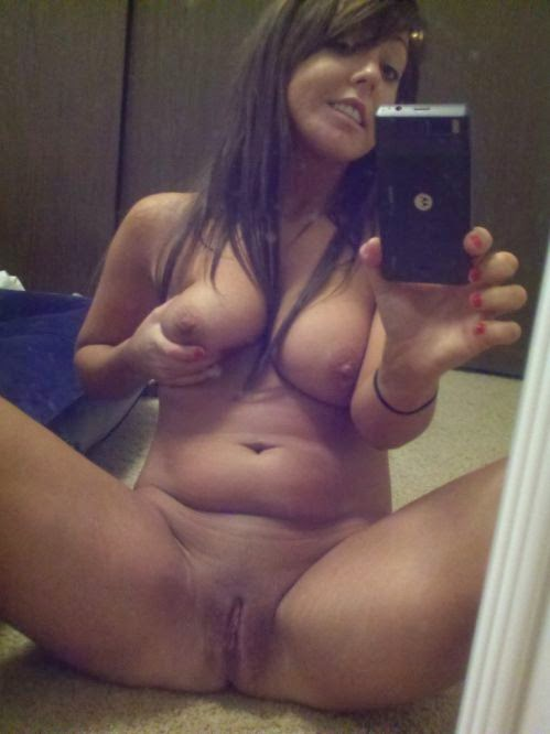 Amateur mirror self shots milf
