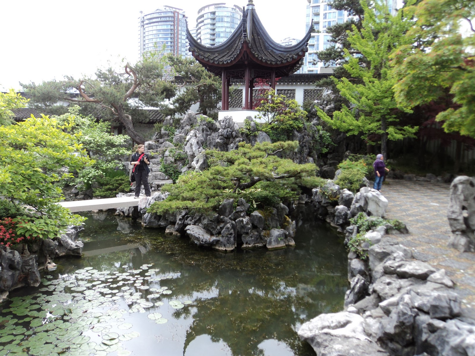 Chinatown Garden Vancouver Visiting On Victoria Day Traveler 39 S Footsteps