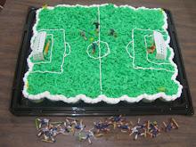 Pastel de cupcakes de cancha de futbol