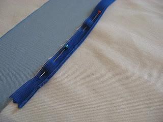 Como colocar ziper em almofada de amamentação