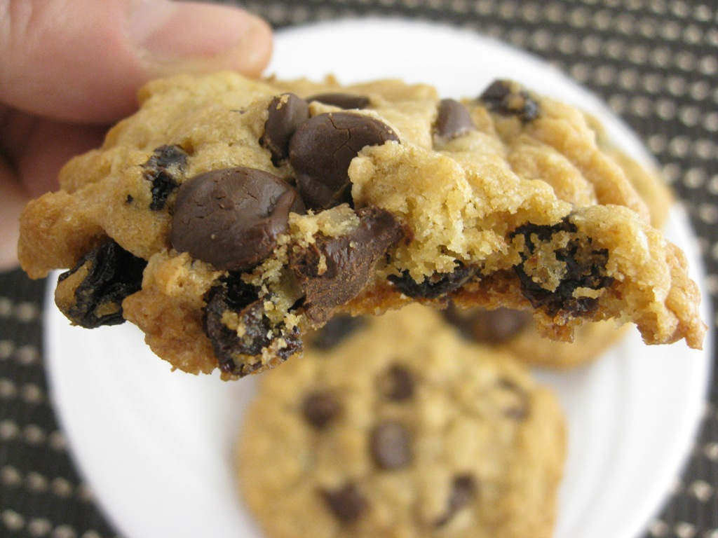 Chocolate Chip Cookies With Cream Cheese And Cake Mix