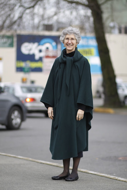 Victoria Ries Cape Coat Queen Anne Seattle street style fashion it's my darlin'