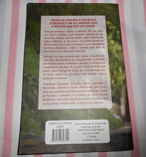 contracapa do livro Tempo de esperas: o itinerário de um florescer humano do Padre Fábio de Melo